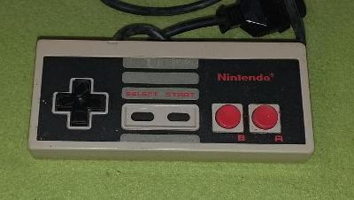 Gamepad pro konzoli NINTENDO NES model NES-004E č. 4