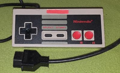 Gamepad pro konzoli NINTENDO NES model NES-004E č. 5