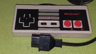 Gamepad pro konzoli NINTENDO NES model NES-004E č. 7