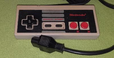 Gamepad pro konzoli NINTENDO NES model NES-004E č. 8