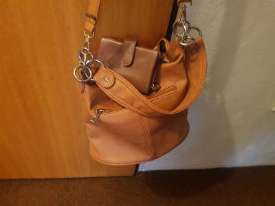 Menší kabelka + peněženka zdarma