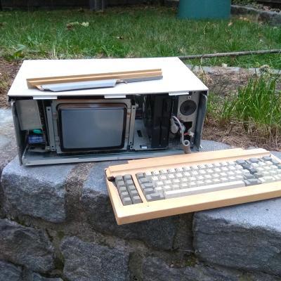 Sanyo MBC-675 portable, funkční torzo, IBM compatible