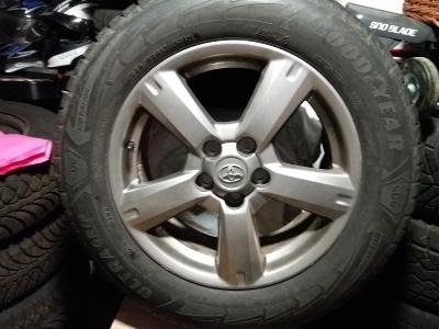 Sada zimních pneumatik s originál disky Toyota RAV 4