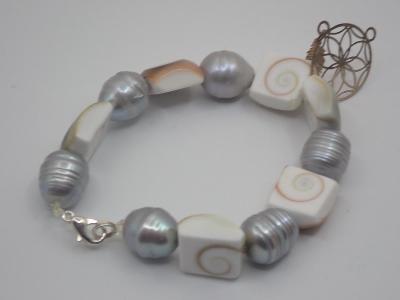 Náramek pravé perly jižních moří a mušle paua, délka 16,5cm