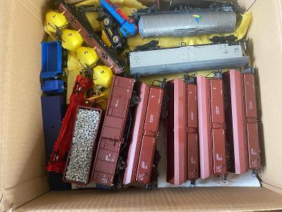 Různé druhy vagonu osobní / nákladní HO