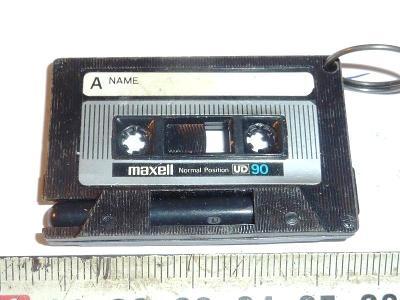 Magnetofonová kazeta ...  MAXELL .. UD 90.. REKLAMA