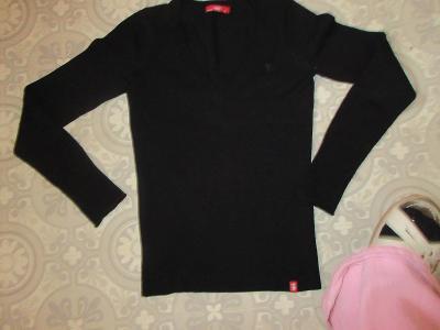 svetr triko černý  edc