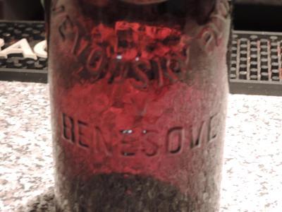 Stará pivní lahev-BENEŠOV S ERBEM