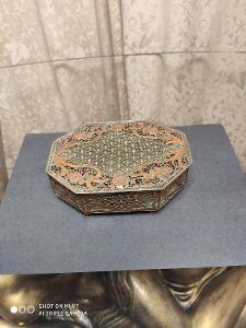 Stará filigránová šperkovnice - Měď