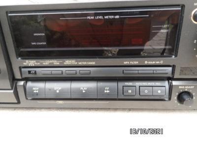 Kazetovy magnetofon TECHNICS RS-BX626