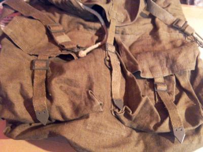 historicky vojensky ruksak
