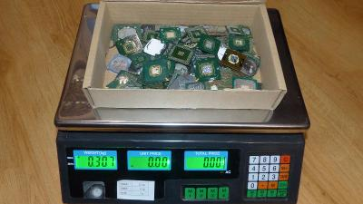 #6 - chipy na recyklaci zlata (307g)