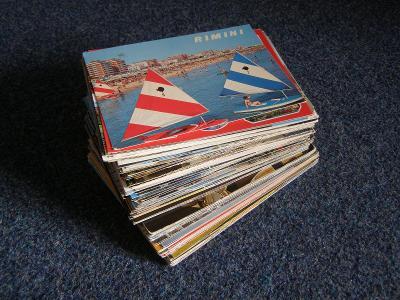150kusů velkých pohlednic z ciziny