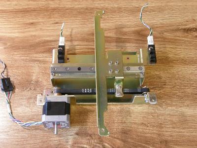 CNC lineární posuv, krokový motor VEXTA, rozsah 112 mm