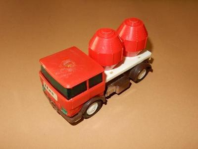 Ites - nákladní auto na setrvačník - přepravník