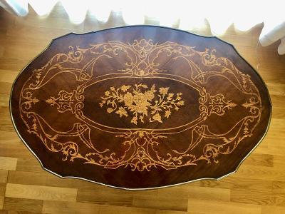 Nizky intarzovany stolek z 19. st. v perfektnim stavu