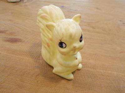 Gumová pískací hračka veverka 10 cm - od 1kč