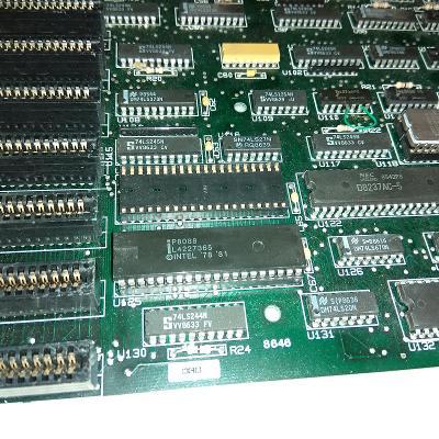Základní deska XT s procesorem Intel P8088