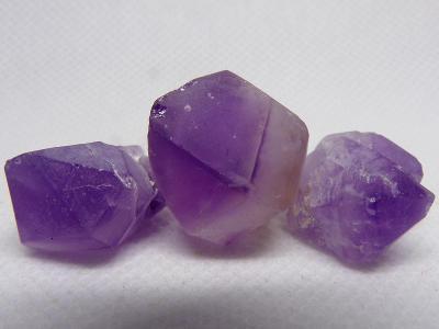 Ametyst Střední Přírodní krystal, 3x fialový křemen - 16 g - TOP A++