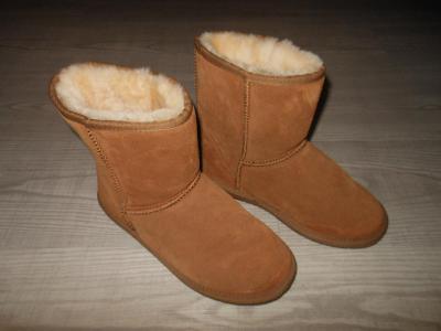 Dámské kožené zimní boty s pravou kožešinou uvnitř boty  vel. 41