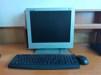 PC s příslušenstvím