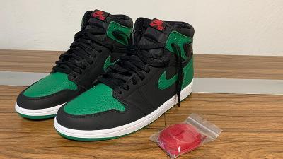 Jordan model retro1 pine green