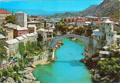Jugoslávia. Bosna a Herzegovina, Mostar, Starý most, neprošlá
