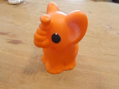 Gumová pískací hračka slon 14 cm - od 1kč