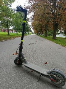Xiomi scooter 1S (nelze zapnout ukazuje chybu) prodám celou i na díly