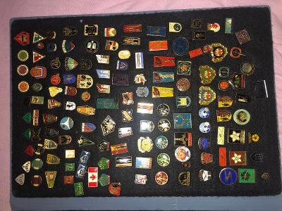 Různé odznaky