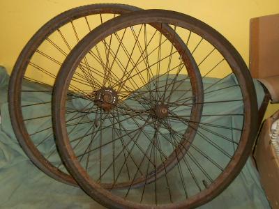 """Přední a zadní 28"""" kola na staré jízdní kolo,falcové ráfky"""