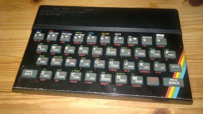 Sinclair ZX Spectrum se zdrojem