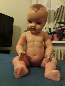 Celuidová stará panenka