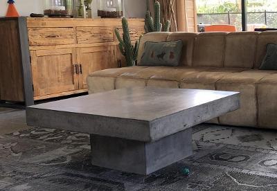 Designový nadčasový konferenční stolek pro interiér/exteriér