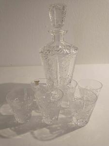 broušená karafa se šesti skleničkami