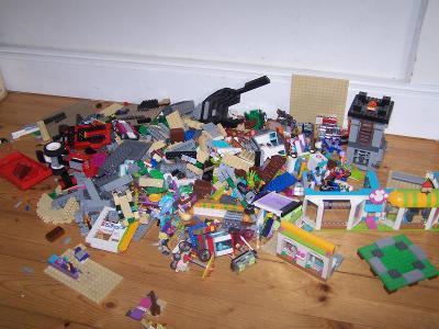 Lego díly cca 3kg