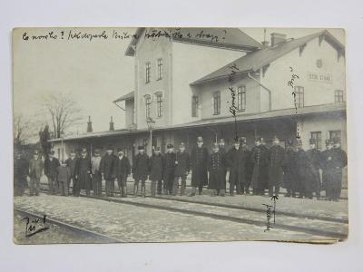 Stod - Staab - nádraží - nádražáci - liliput s knírkem - roku 1910