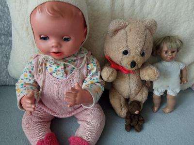 4*retro hračky panenky a medvědi