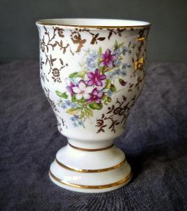 Starožitný porcelánový pohár, motiv poměnky