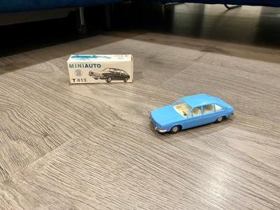 KDN  Kaden  Tatra 613 chromka slabo  modra ites igra