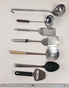 KUCHYŇSKÉ POMŮCKY - Sada různých šikovných pomůcek - do kuchyně