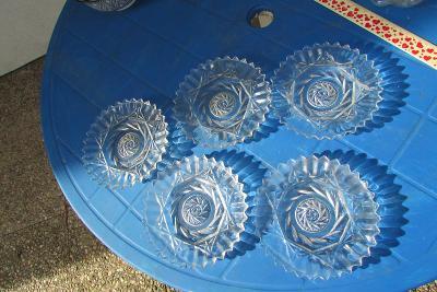 skleněné talířky z těžkého skla 5 ks - 15 cm