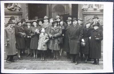 Přátelé profesora Černíka v Praze - 1946