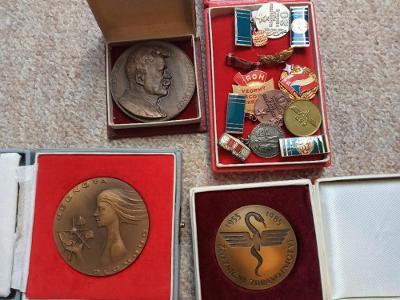 Medaile Plakety