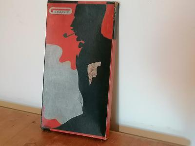 Stará reklama, papírová krabička cigareta krásný motiv