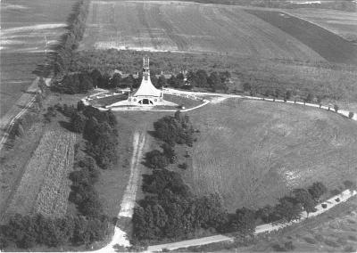 Mohyla Míru u Prace, památník bitvy u Slavkova, letecký snímek