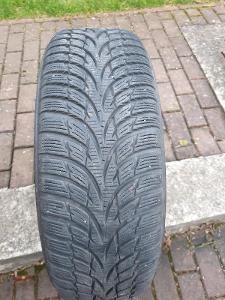 Zimní pneu Nokian na ocelových discích + ozdobné kryty