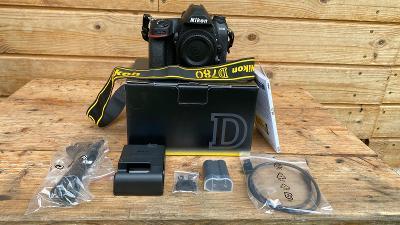 Nikon D780 tělo