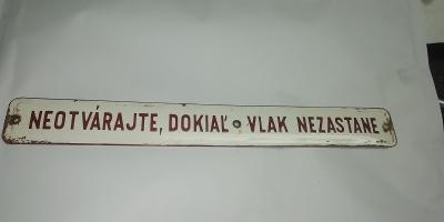 Smaltovaný štítek z motorového vozu