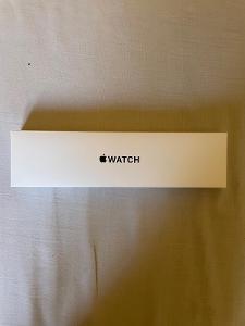 Apple watch SE 44mm Vesmírně šedá